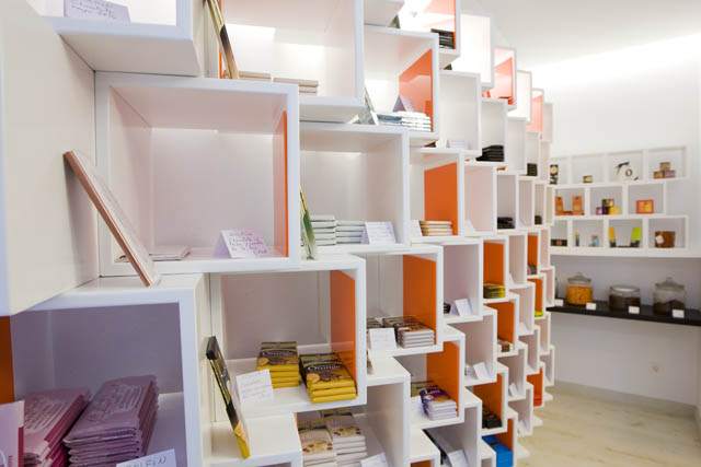 Diseño de chocolateria, interior de chocolateria, chocolateria de diseño, tienda de chocolates, interiorismo, santiago, coruña, galicia