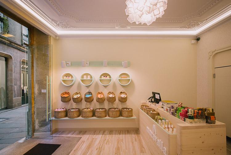 Diseño de tienda a medida, diseño de tienda de jabones, diseño original de locales, diseño de tienda de cosmetica natural, obra y diseño de tienda de jabones