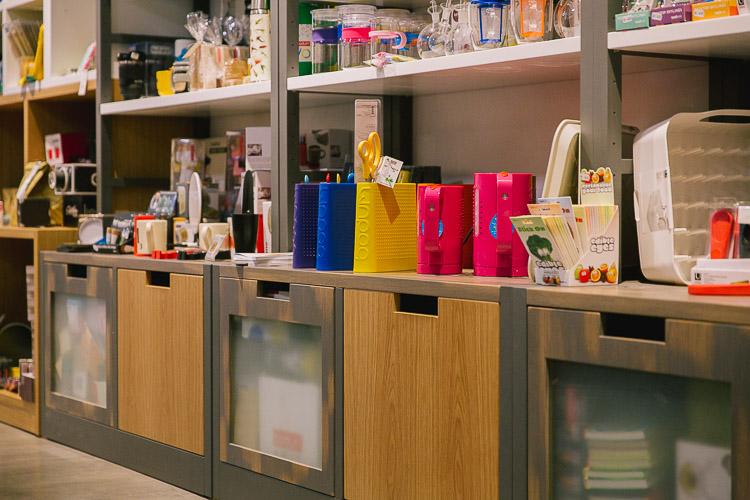 Diseño de tienda a medida, diseño de tienda de menaje y decoracion, diseño original de locales, diseño de tienda de cocinas, obra y diseño de tiendas de decoración, diseño de mobiliario