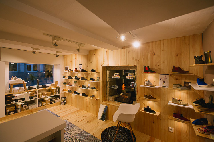 Diseño de tienda a medida, diseño de zapatería, diseño original de locales, diseño de tienda de zapatos, obra y diseño de zapatería