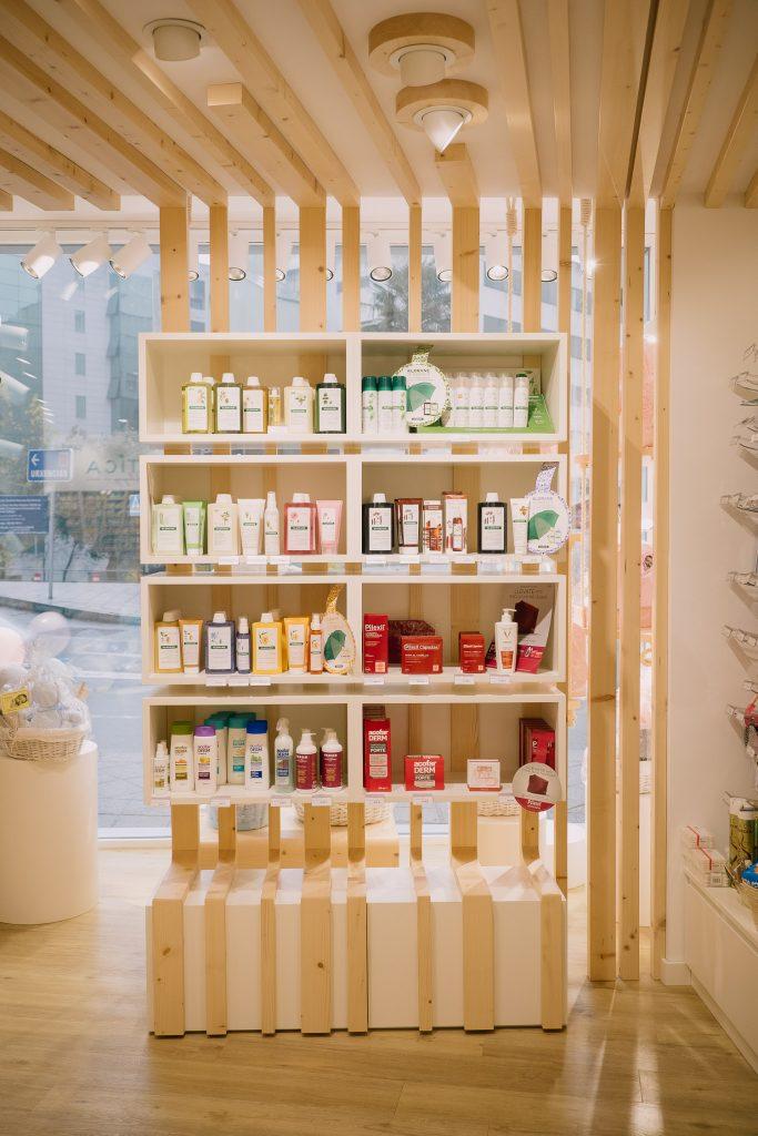 Diseño farmacias, Diseño farmacia, Farmacia moderna, farmacia con diseño, diseño a medida de farmacia, diseño original de farmacia